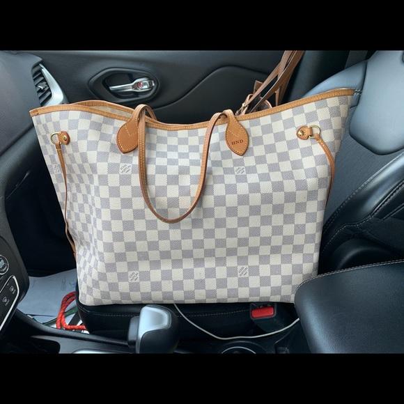 Louis Vuitton Handbags - AUTHENTIC Louis Vuitton Neverfull GM w/ insert!!